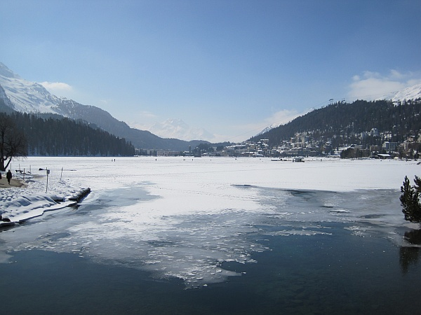 integrated-monitoring-of-icing-up-of-selected-swiss-lakes